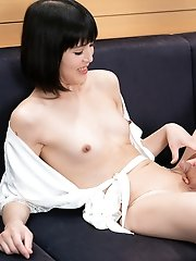 Japanese ladyboy Yoko is so hard being fucked in her ass pussy!